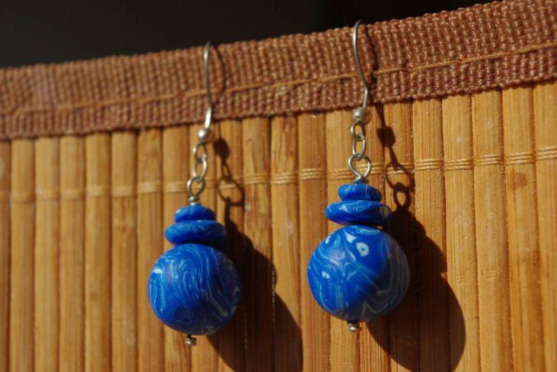Bleu marin dans Boucles d'oreilles bleumarin
